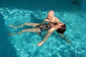 Acquore il massaggio in acqua calda