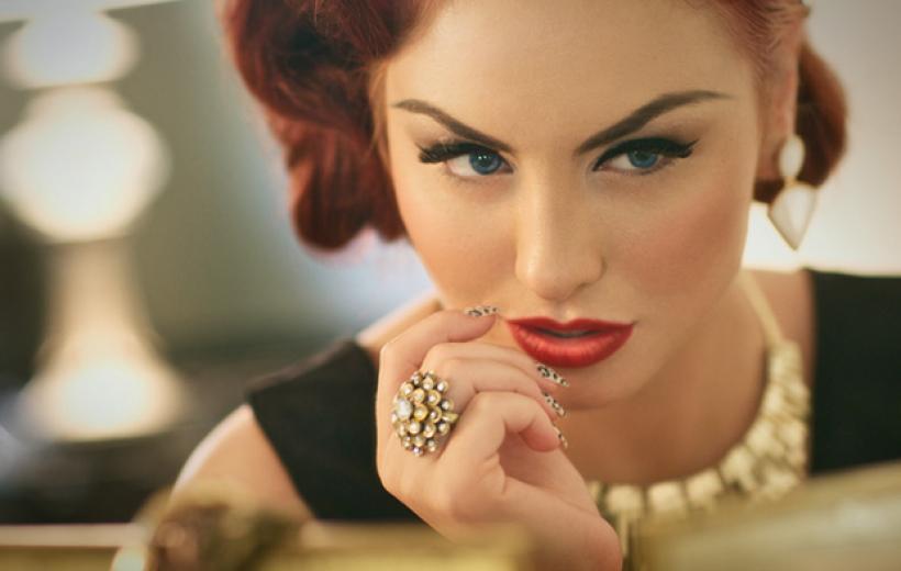 Why-Scorpio-Women-Should-Consider-Wearing-Topaz-Jewelry